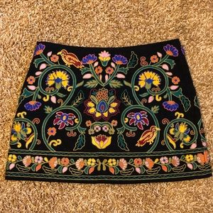 Zara woman xs floral embroidered skirt black mini